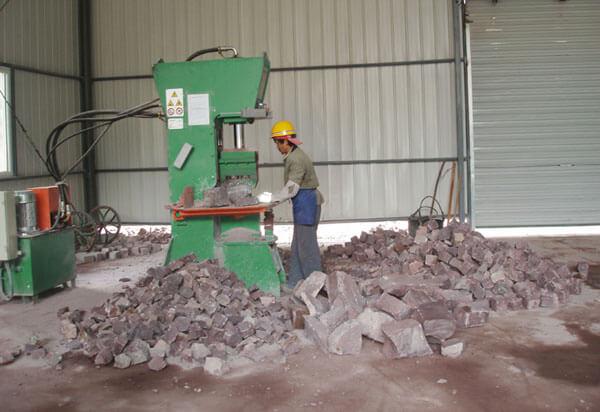 Máquina para el corte de piedra hidráulica