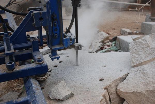 taladro de roca móvil neumático 1